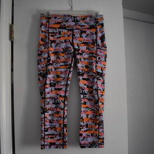Lululemon 3/4 length multicolored yoga pants